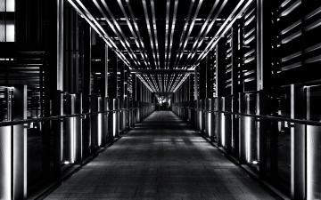 モノクロの電力施設風のイメージ