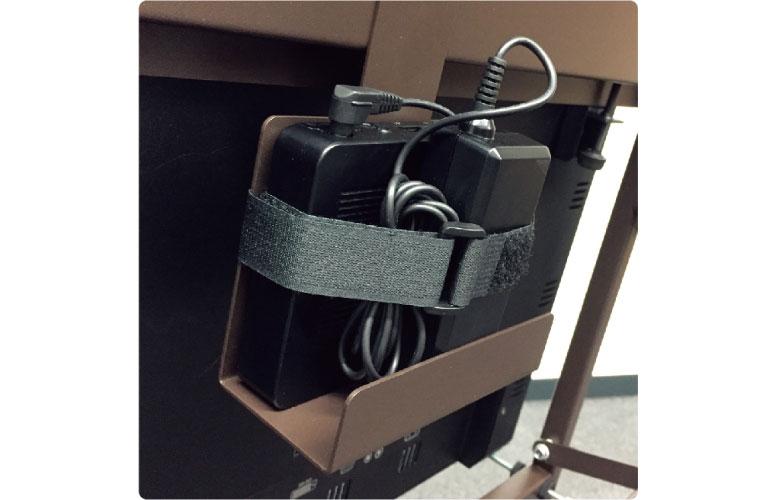 オプションでSTBや電源タップホルダーもございます。(型番:AC-CVL11-STB)